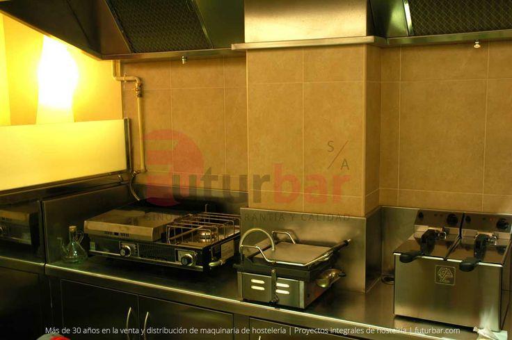 Maquinaria y diseño de cocina realizado para el proyecto integral de hostelería del Café del Centre. futurbar.com