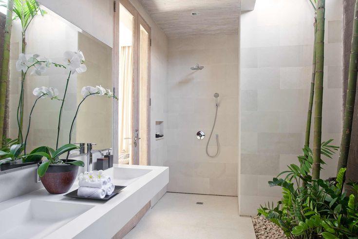 http://www.prestigebalivillas.com/bali_villas/villa_adasa/45/reservation_and_rate/ Guest bathroom Villa Adasa Bali