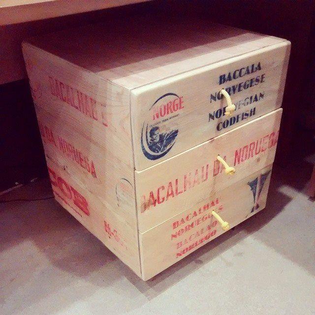 Gaveteiro de caixa de bacalhau feito especialmente para o estudio Vitamina - cruznailha@gmail.com - #cruznailha #gamb @cruznailha@brunoparola @estudiovitamina