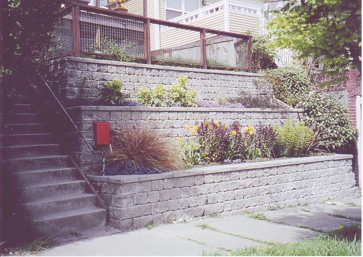 Google Image Result for http://www.seattle-landscape.com/graphics/090406/RetainingWallRomanASA.jpg