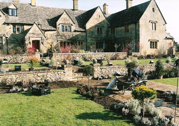Terracing, Stone Walls, Lawns & Planting – 1