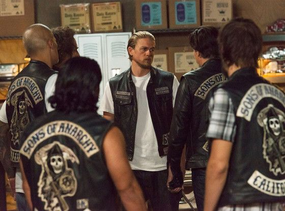 Sons of Anarchy Boss Explains Why That Series Finale Death Had to Happen  Charlie Hunnam, Sons of Anarchy