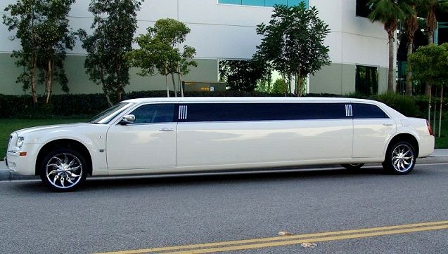 Top 5 Reasons To Hire A Limo Service For Your Wedding Limousine Limo Limousine Car
