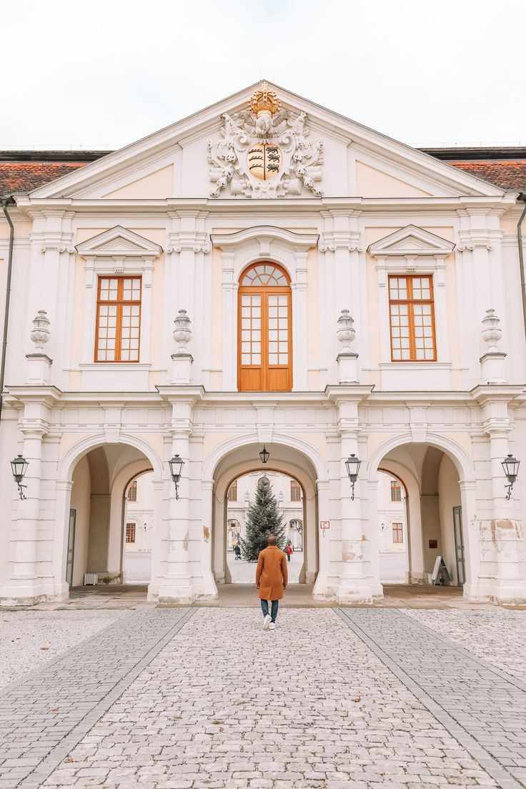 The Beautiful Baroque Ludwigsburg Palace In Stuttgart Germany Germany Castles Stuttgart Germany Stuttgart