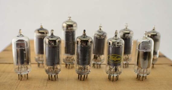 10 Vintage Vacuum Tubes - Electronic Parts Radio Tubes TV Tubes Amplifier Tubes Industrial Parts Collage Steampunk Art Supply E10-1… #etsy