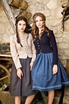 Love this style. Sweet Jackets, matching Dirndl skirts. By Julia Trentini Dirndl FS 2017