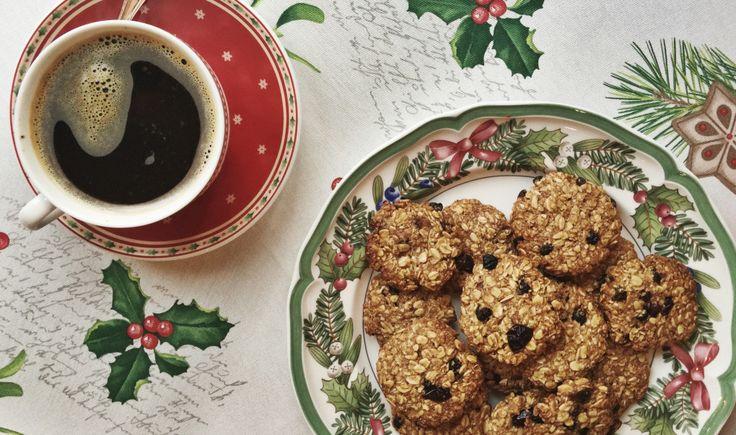 Рецепт рождественского овсяного печенья с яблоком и корицей. Healthy diet by KrasotkaPro. #КрасоткаПро #Вкусные #Полезные #Рецепты
