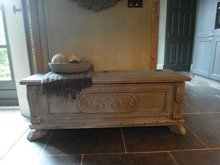 17 beste idee n over opgeknapte meubels op pinterest hergebruikte meubels afgewerkt meubilair - Oude meubilair dressoir ...