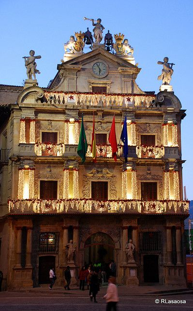 Pamplona - Ayuntamiento by Rufino Lasaosa, via Flickr