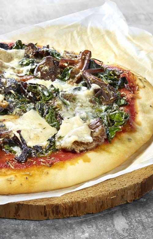 Pizza met boschampignons en lookboter