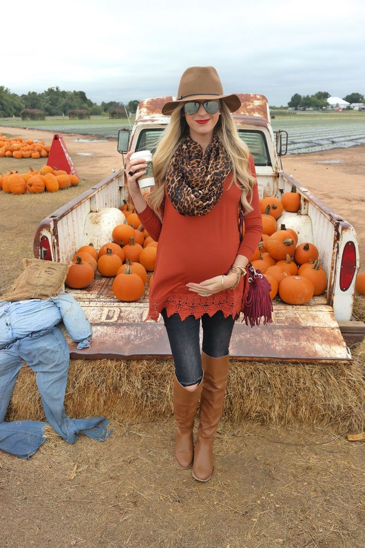 Inspiring Maternity Fashion Outfits Ideas for Fall and Winter