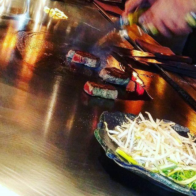 #ステーキ #ピカピカの鉄板 #A5#肉 #牛肉 #惚れ惚れ#キラキラ #大人 #おつまみ #ランチ #東京 #市ヶ谷 #六番館