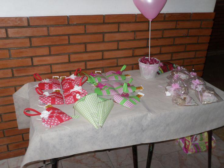 souvenirs corazón  by Dulcinea de la fuente www.facebook.com/dulcinea.delafuente  #fiesta #festejo #cumpleaños #mesadulce#fuentedechocolate #agasajo# #candybar  #tamatización #personalizado #souvenir  #regalos personalizados #catering finger food