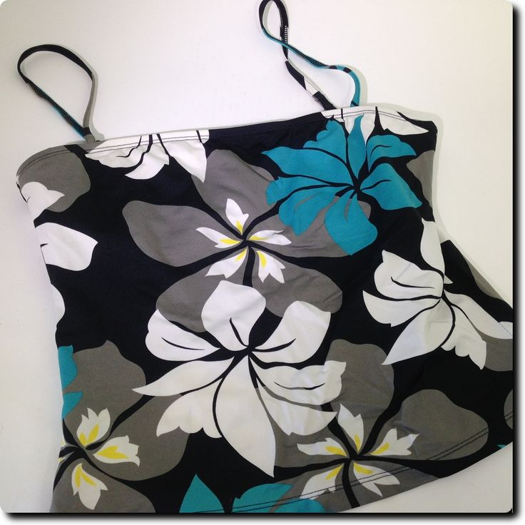 JAG  Black White and Teal Floral Tankini with Underwire Swimwear large