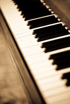 How to Clean Ivory Piano Keys