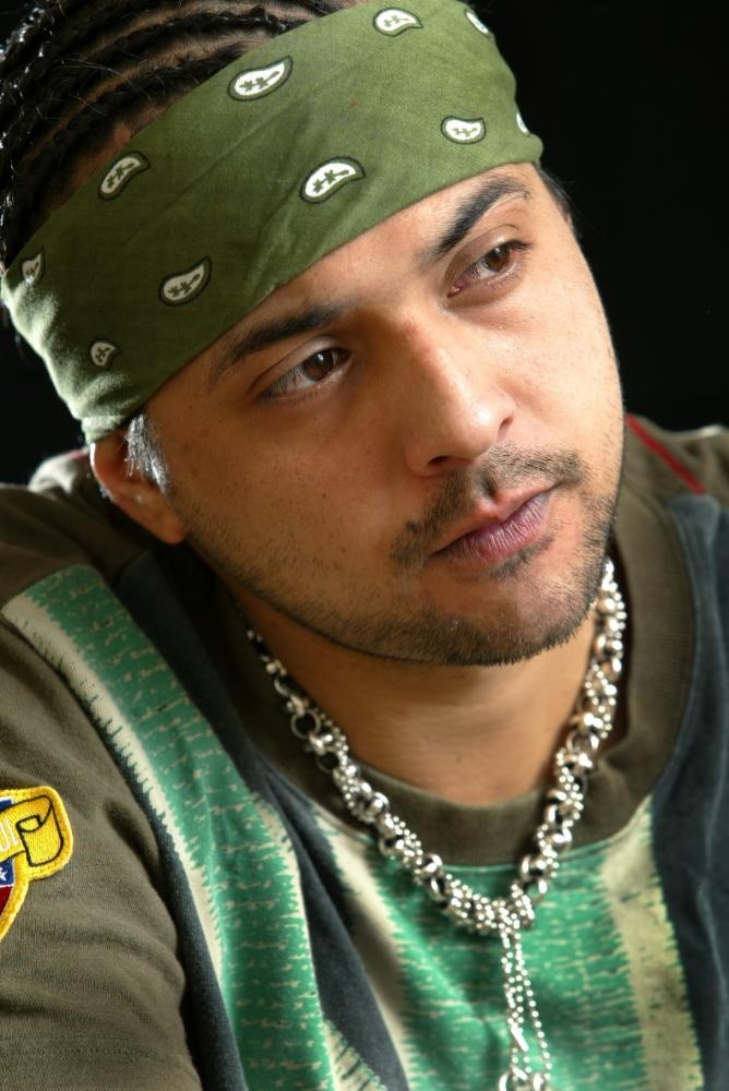 Sean Paul (Baby boy,I am still in love with you, Temperature, Like glue, We be burning, Get busy, Gimme the light, Give it up to me)