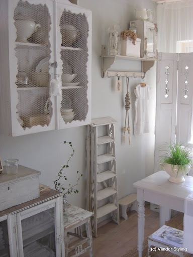 Gorgeous white shabby kitchens shabby chic pinterest for Kitchen cabinets you put together