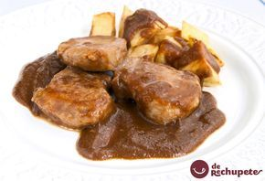 Receta súper sencilla y con una salsa que flipas! Solomillo de cerdo al whisky  http://www.recetasderechupete.com/solomillo-de-cerdo-al-whisky/13113/ #receta