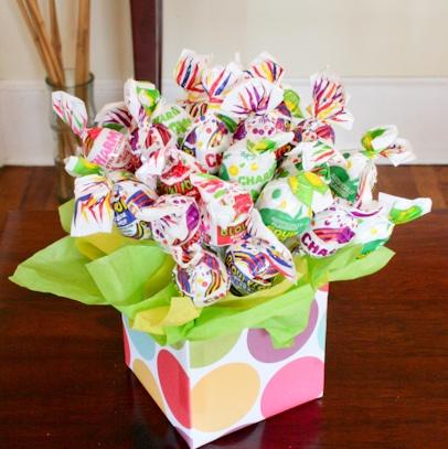 Lollipop Bouquet - such a cute Birthday gift idea.