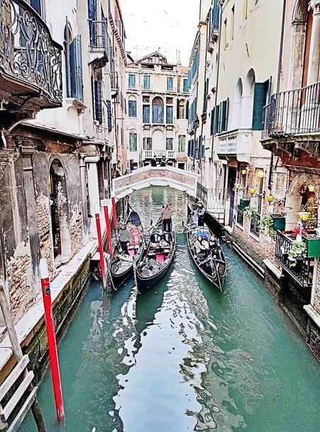 Venice Story on the blog now at http://www.citychiclifestyle.org/what-s-new-in-travel.html  #venicearchitecture @veneziacityitaly #venice #italy #italygram #grandcanal #venezia #venice2017 #sunnyholiday #photooftheday #italytrip #instaphoto #scenic #gondola #picturesque #travelblog #travelgram #travelblogger #instatravel #instafashion #artisticphotography #scenicvenice #fashionblogger #instafashion #cityonwater #luxury #luxurylifestyle #venicearchitecture #italiancity #photooftheday…