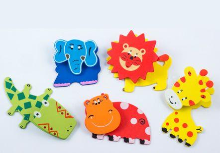 Hand painted animal magnets from Lumela afrika - 9275