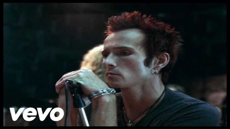 Velvet Revolver - Fall To Pieces -- Watching this now gives me chills. Rest in peace, Scott. <3