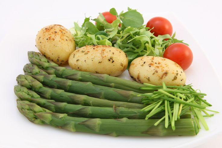 Estudo da Universidade de Oxford mostra que uma dieta vegan podia evitar a morte de 8,1 milhões de pessoas até 2050. Os benefícios chegariam também à economia e ao ambiente
