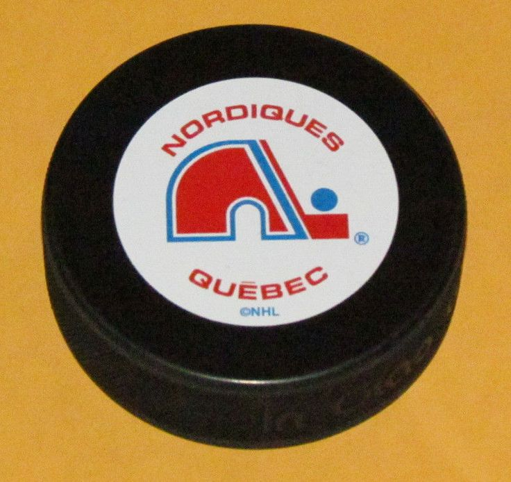 QUEBEC NORDIQUES Team Logo w/Name Vintage Series SOUVENIR PUCK NEW In Glas Co. #Sherwood #QuebecNordiques