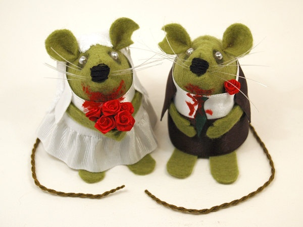 Zombie Wedding Gifts: Zombie Wedding Cake Topper Macabre Mice Ornament Cute Felt