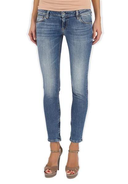 Женские джинсы guess