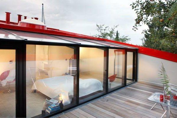verriere de toit sur une chambre a coucher