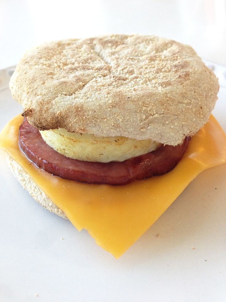 Healthified Egg McMuffin ~ Kid friendly and Freezer friendly. Super easy to make! Weight Watchers 4 Points ~ 5 Points+