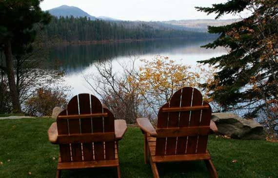 The Suttle Lodge & Boathouse is a rustic resort on the shore of Suttle Lake: thesuttlelodge.com