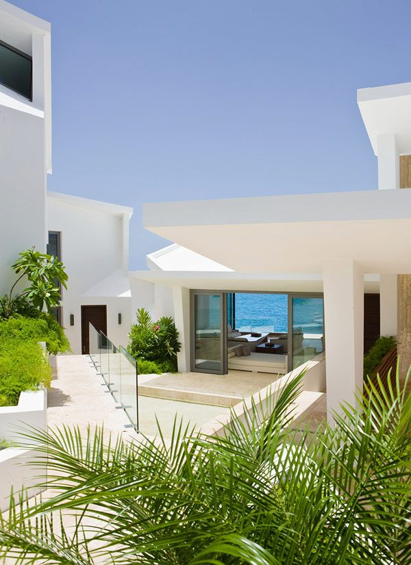 Holiday Retreat Overlooking the Caribbean
