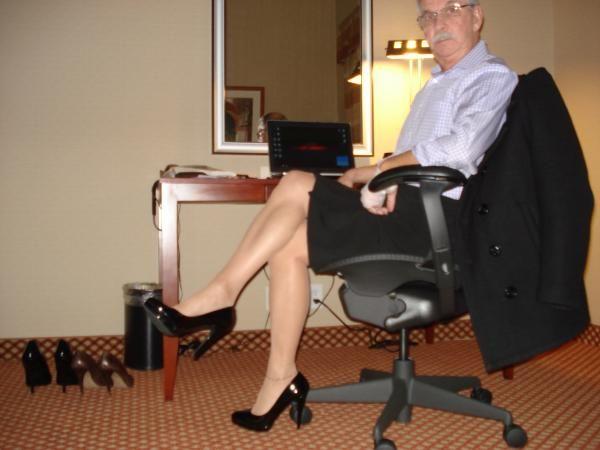 261 besten m nner in heels bilder auf pinterest. Black Bedroom Furniture Sets. Home Design Ideas