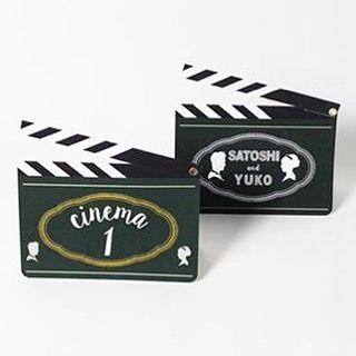 """cinema wedding"" 映画館で出会ったお二人のためのデザイン。 テーブルナンバーはカチンコ型です。…"