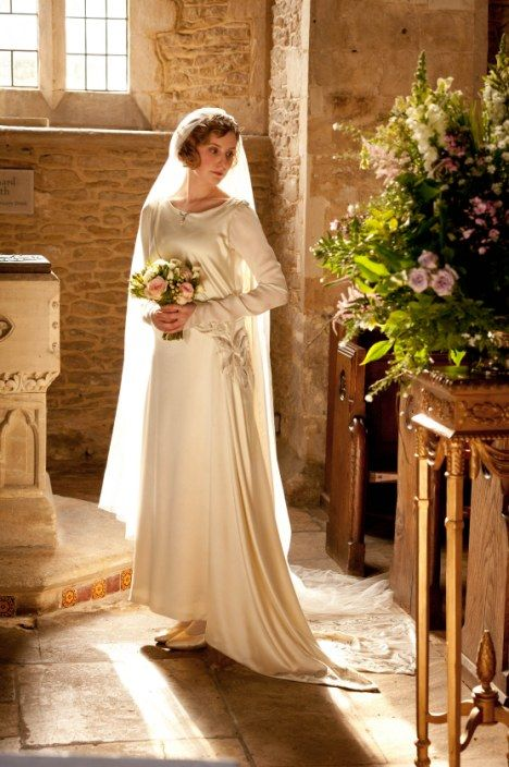 Lady Edith's Wedding--love her train & headpiece (I think it's the same as the one Lady Mary wore, right?)