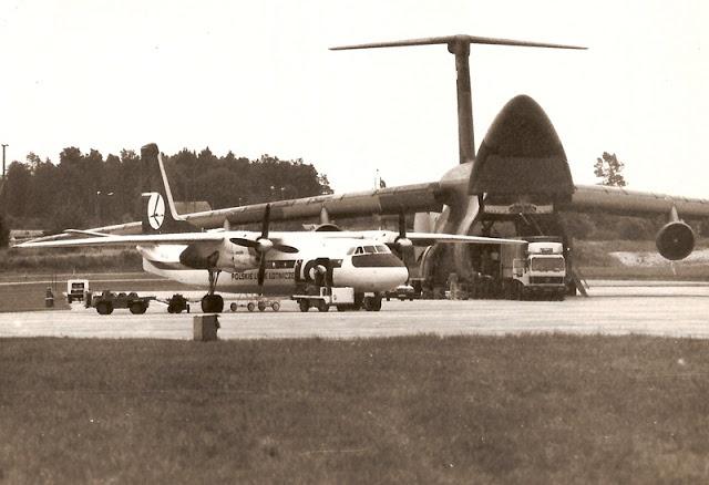 FotoBlog Sebastian Elijasz: Stare zdjęcie z @Airport Gdansk / Old photo of #Gdansk #Airport | #Airplane #History