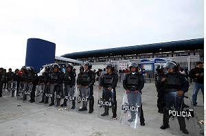 Un millar de policías fueron desplegados para la gran final del futbol mexicano, que disputarán Pachuca y León