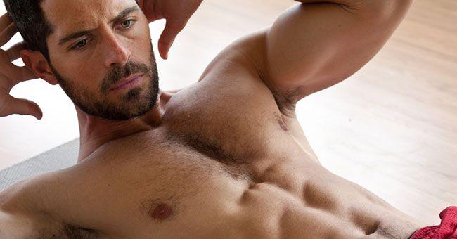 Esercizi pancia piatta uomo: i migliori