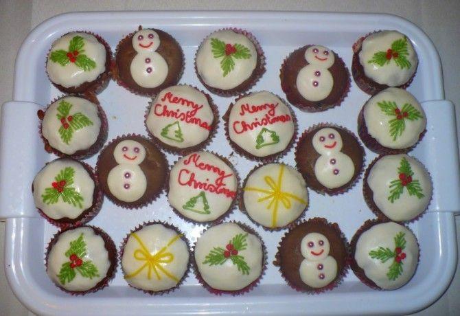 Karácsonyi muffinok Melissza konyhájából recept képpel. Hozzávalók és az elkészítés részletes leírása. A karácsonyi muffinok melissza konyhájából elkészítési ideje: 35 perc