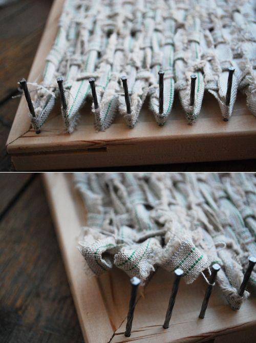 traveling loom...Trivet Loom Remember, Woven Trivet, Diy Weaving Loom, Diy Loom, Woven Rag Rugs Diy, Diy Gift, Diy Rugs For Kids, Homemade Loom, Kids Loom Diy