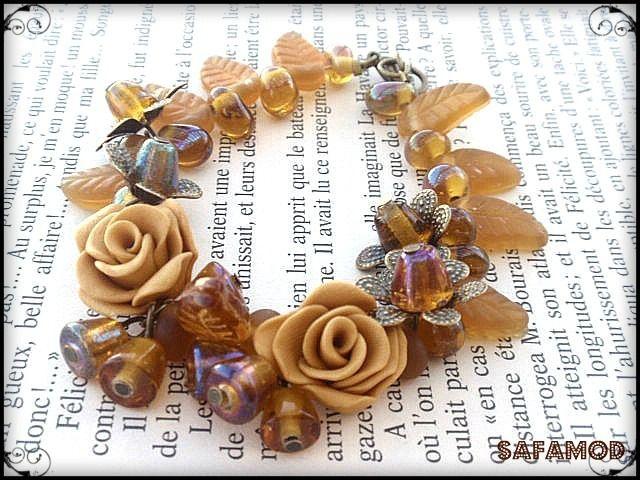 Bracelet bouquet de fleurs perles Fimo verre : Bracelet par safamod