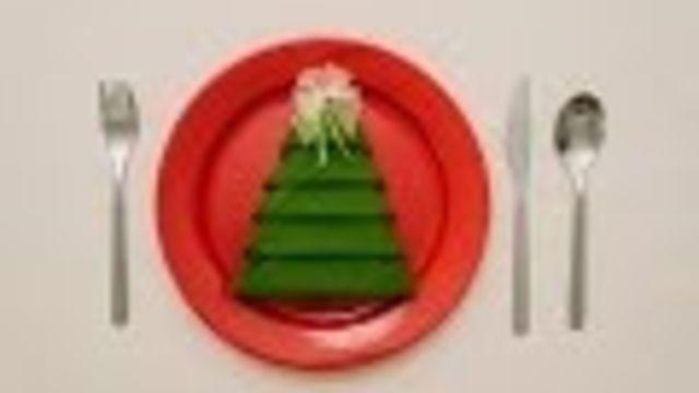 Servetten vouwen als kerstboom, zo doe je dat! #kersttafel - Instructies - Weethetsnel.nl
