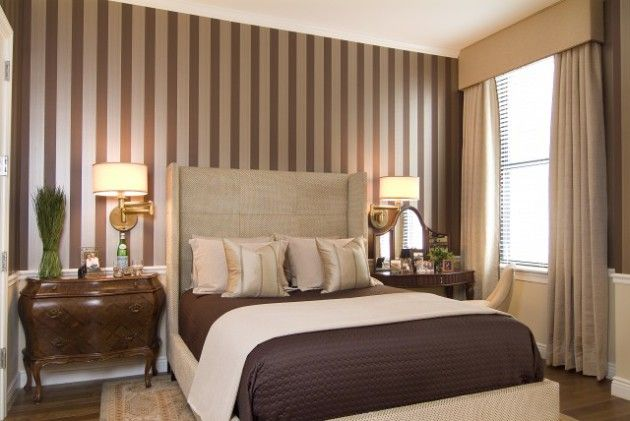 Фото: полосатые обои помогут вам визуально расширить комнату