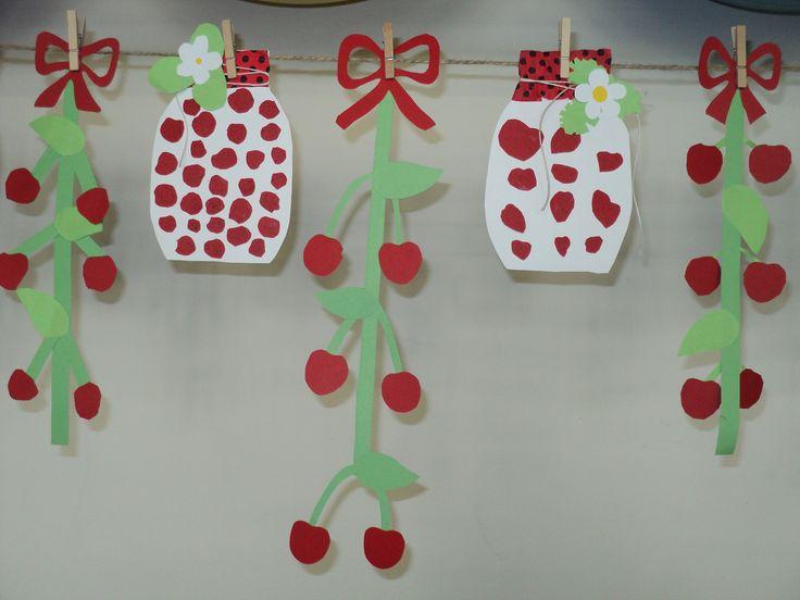 Třešně a jahody