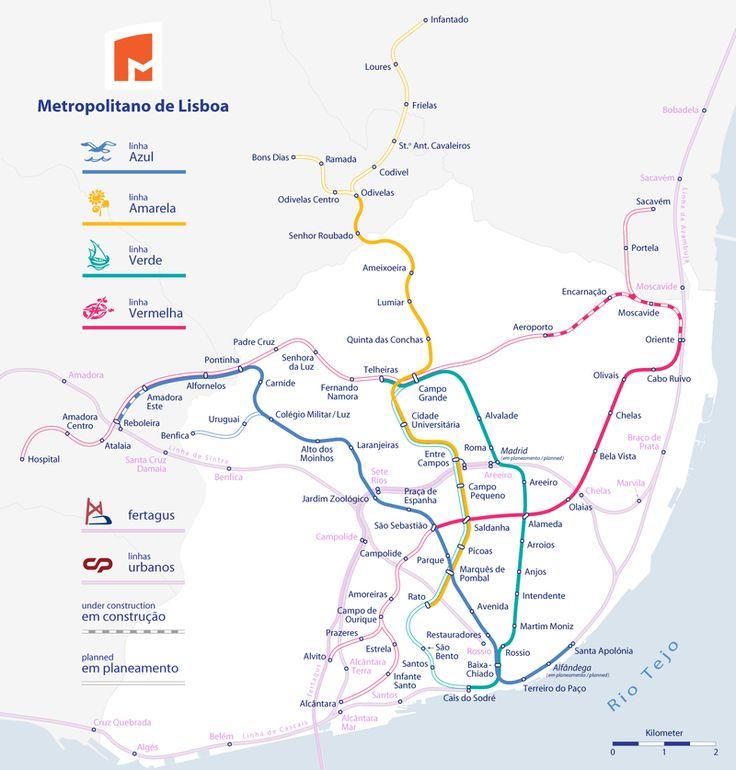 Lissabon hat ein U-Bahnnetz (U-Bahn, Lissabon Metro), was durch ein System von Stadt-, S-Bahn und Straßenbahn ergänzt wird. Die Lissabon U-Bahn gilt als einer der schönsten in Europa, zusammen mit Moskau und Paris. Ihre Stationen sind sowohl künstlerische, wie auch architektonische Räume. Sie öffnete im Jahr 1959 mit einer Länge von 6,5 km. Das Wachstum des Netzwerkes wurde in aufeinander folgenden Expansionsphase abgeschlossen.... #lissabon #metro #karte
