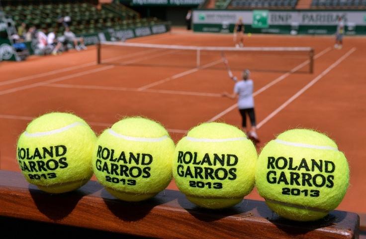 Ya comenzó la cita más importante del tenis en polvo de ladrillo. Roland Garros está en marcha y Rafa Nadal buscará su octavo título parisino para romper todos los récords. ¡Los mejores juegan la 2ª y 3er. Ronda de este torneo, seguilas entre hoy y el domingo por ESPN y ESPN HD!