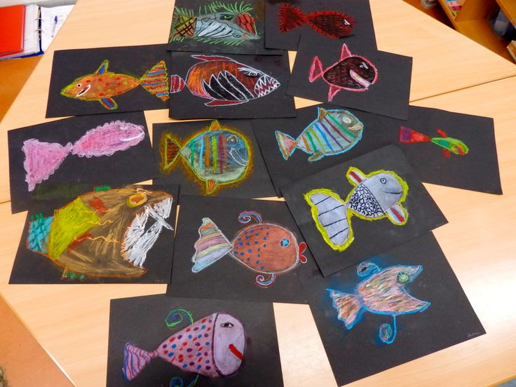 Vissen met emotie, oliepastel en pastelkrijt, groep 6