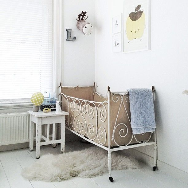 Apple Papple in this little one's room.